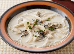 牡蠣とキノコのクリームシチュー