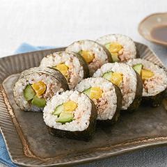 かにとアボカドの巻き寿司