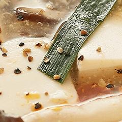 豆腐ときのこの酸辣湯風スープ